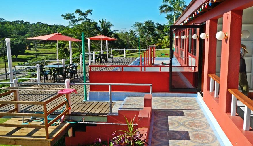 Rumors_Resort_Motel_Front_Of_Restaurant