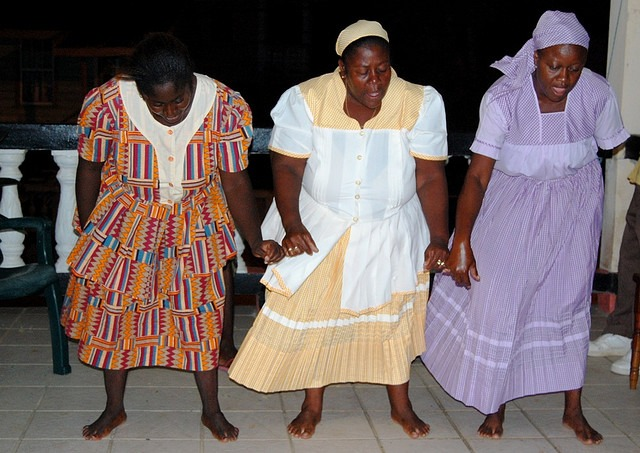 Garifuna_dancers_in_Dangriga,_Belize