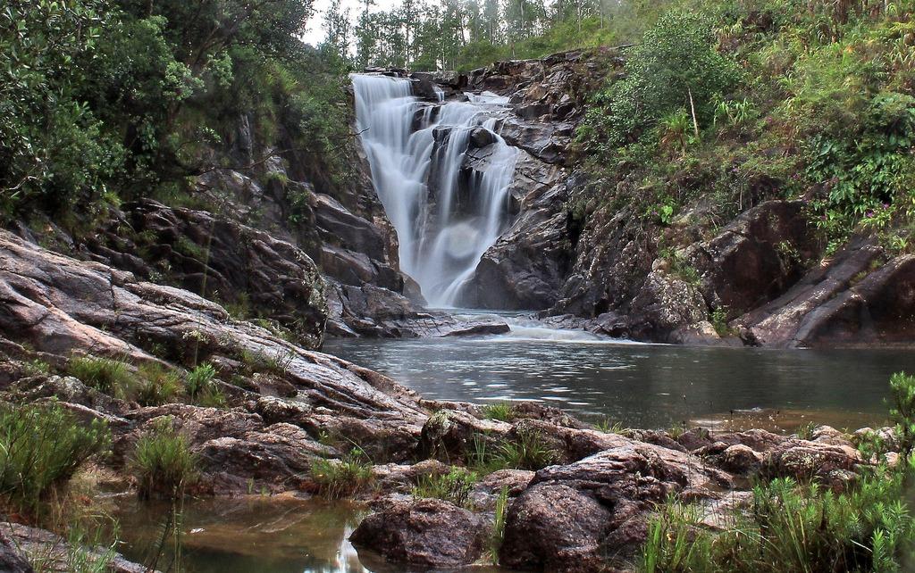 big rock waterfalls belize