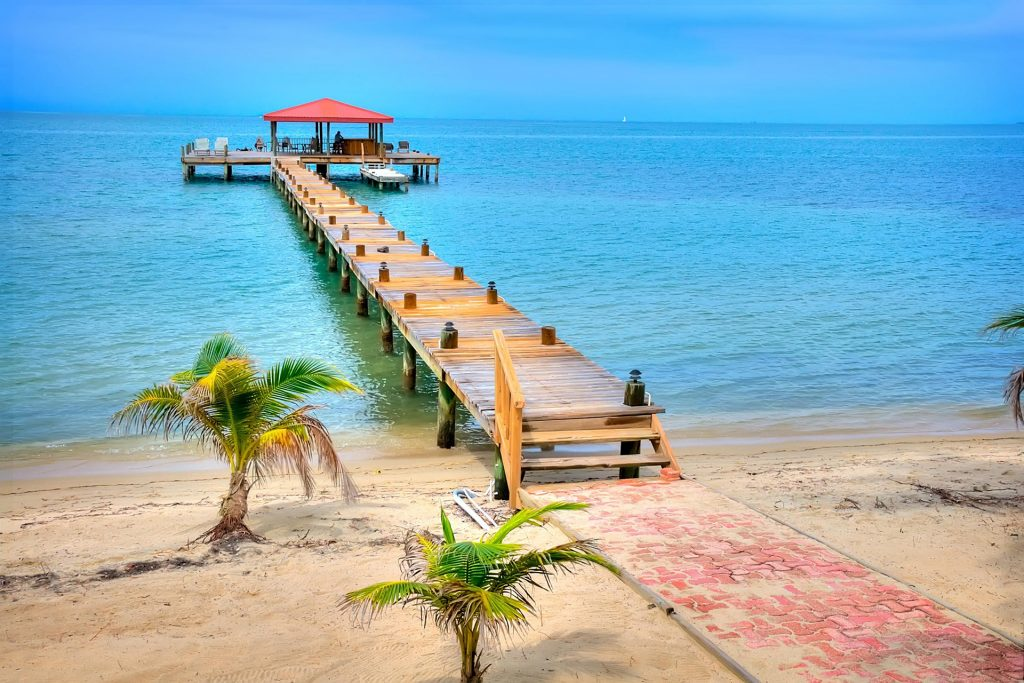 belize family resorts