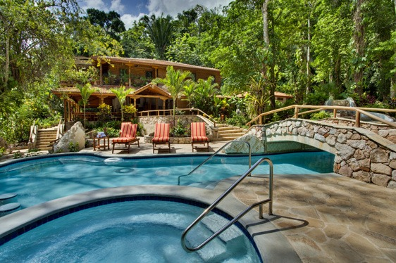 belize resorts in the jungle caves branch