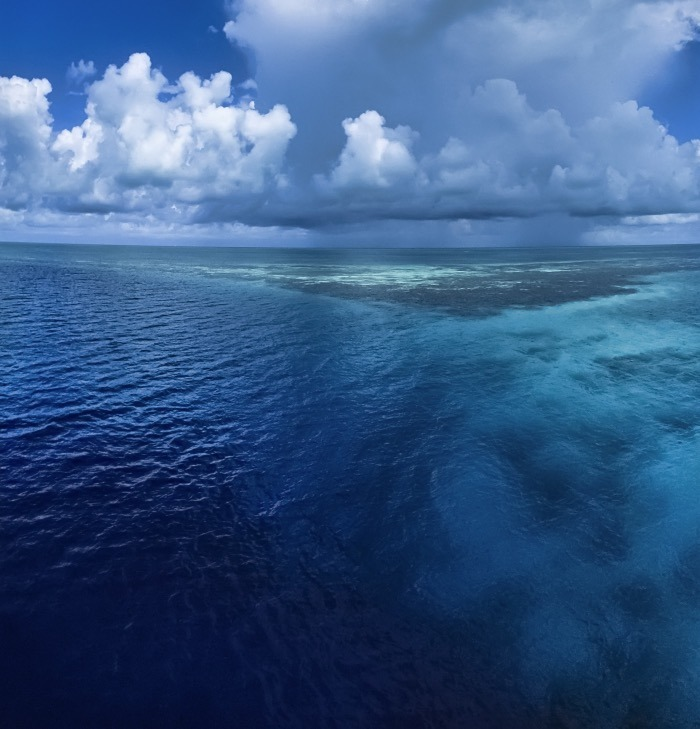 belize islands and atolls - lighthouse reef atoll