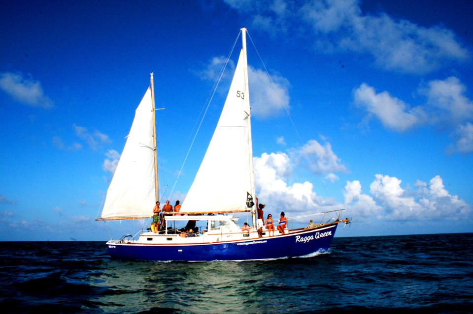 Sail Down the Coast of Belize with Raggamuffin Tours