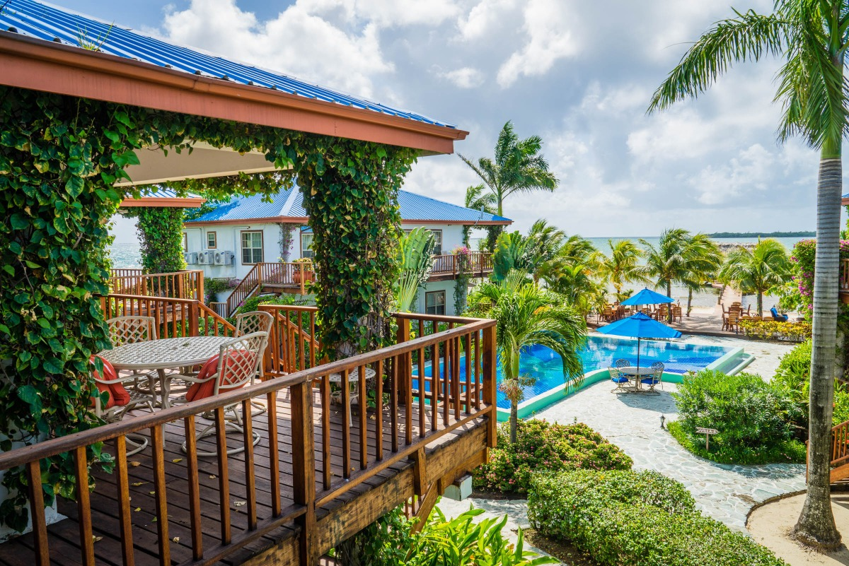 placencia belize resorts