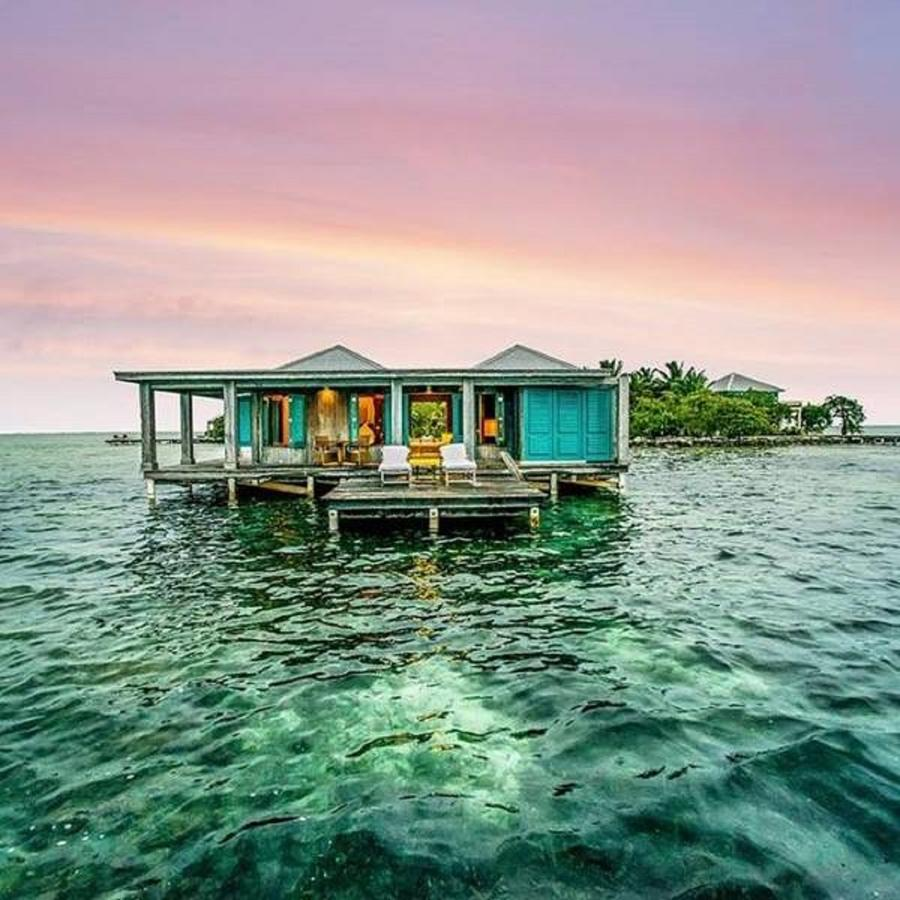 Overwater Bungalows in Belize #6