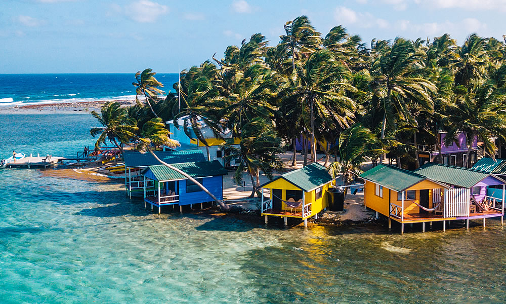 Overwater Bungalows in Belize #4